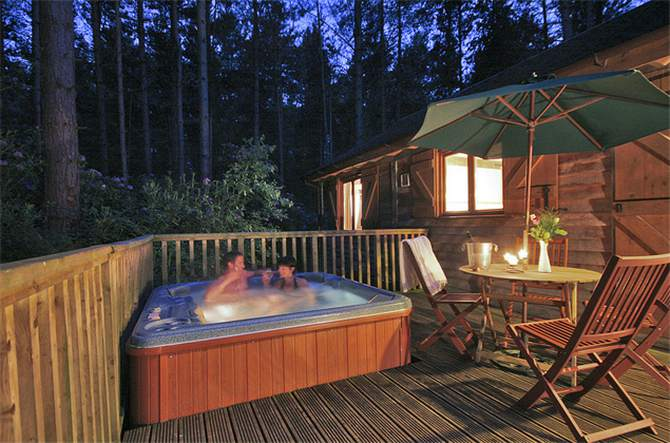 Top 10 Holiday Cottages And Lodges In Yorkshire With Hot